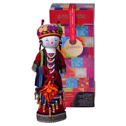 Boneca Decorativa Oriental Shima em Tecido - 28x12 cm