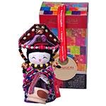 Boneca Decorativa Oriental Tujia Pequena em Tecido