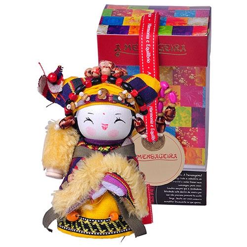 Boneca Decorativa Oriental Yi Pequeno em Tecido - 12x7 cm