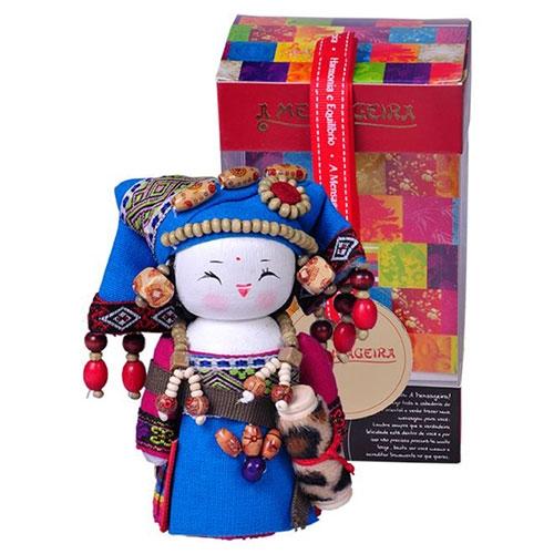 Boneca Decorativa Oriental Zhuang Pequeno em Tecido - 12x7 cm