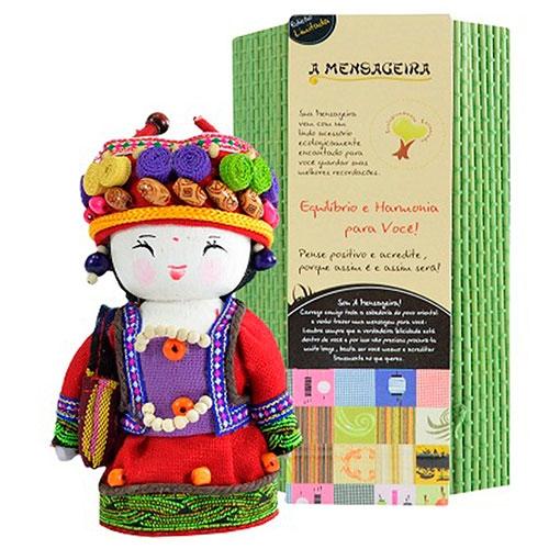 Boneca - Mensageira do Oriente - Ashima em Tecido - 12x8 cm