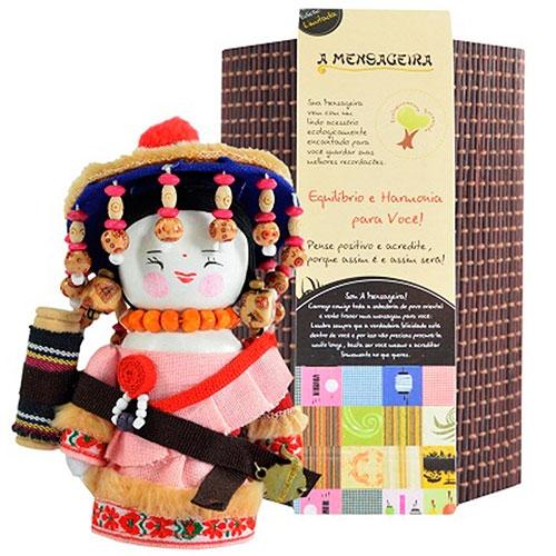 Boneca - Mensageira do Oriente - Kirgiz em Tecido - 12x8 cm