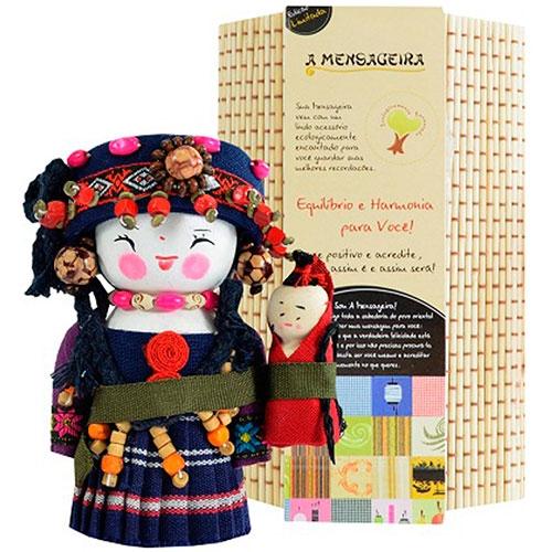 Boneca - Mensageira do Oriente - Maonam em Tecido - 12x8 cm