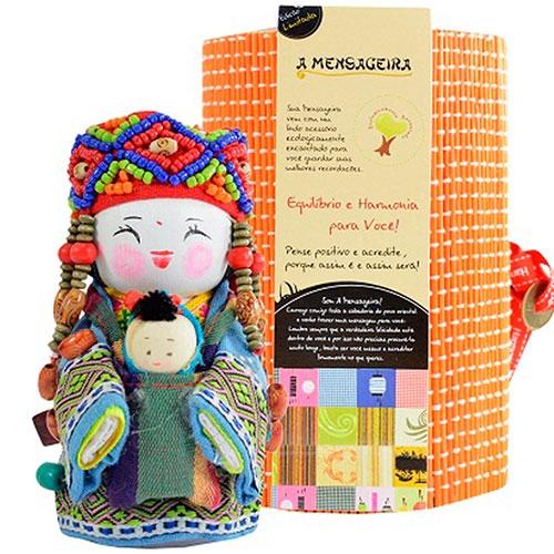 Boneca - Mensageira do Oriente - Uzbek em Tecido - 12x8 cm