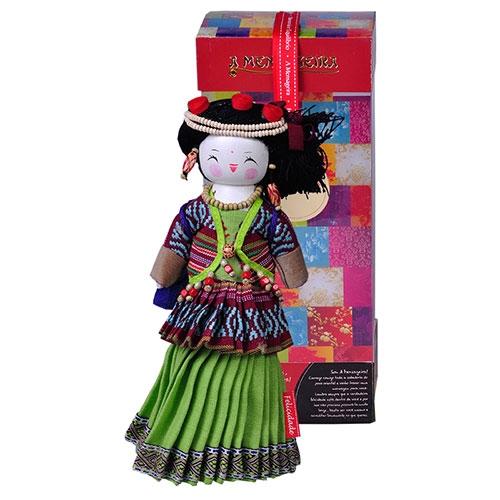 Boneco Decorativo Oriental Primi em Tecido - 28x12 cm
