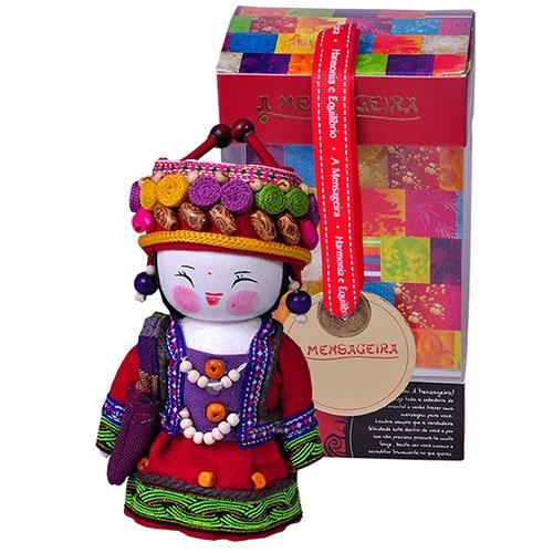 Boneco Decorativo Oriental Shima Pequeno em Tecido - 12x7 cm