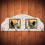 Cabideiro Dois Galos Emoldurados - 4 Ganchos - em Madeira - 40x15 cm