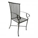 Cadeira Filetes Preta com Estrutura Vazada em Ferro