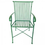 Cadeira Filetes Verde com Estrutura Vazada em Ferro