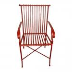 Cadeira Filetes Vermelha com Estrutura Vazada em Ferro