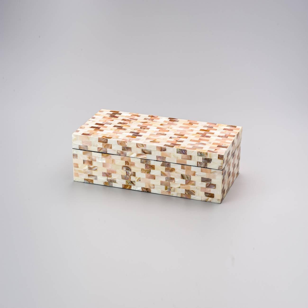Caixa Delta Retangular Bege Grande em Madrepérola - Prestige - 35x20 cm