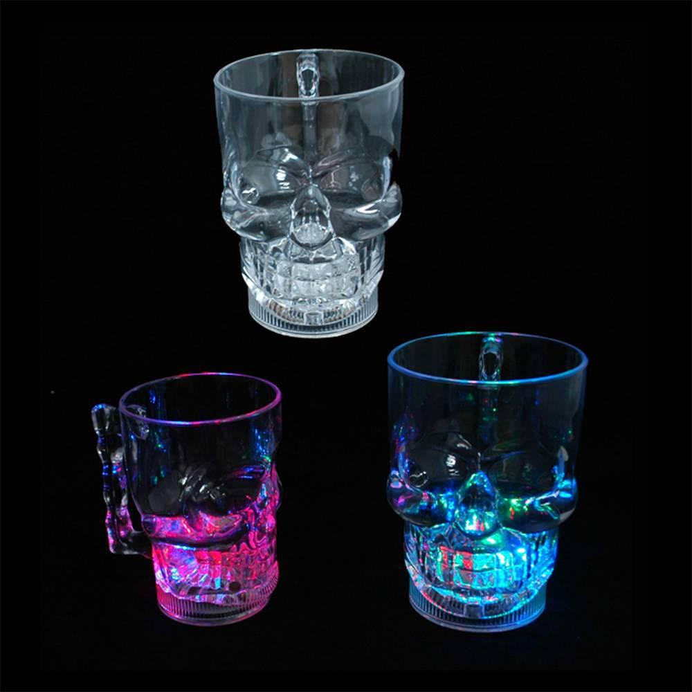 Caneca Skull com Led Pequena em Acrílico - 400 ml - Urban - 12x8,4 cm
