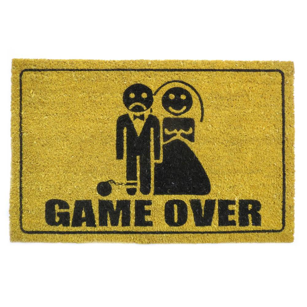 Capacho Game Over Amarelo em Fibra de Coco e PVC - Urban - 70x45 cm