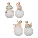 Conjunto de Estatuetas Banhistas na Bola em Resina - 16x9 cm