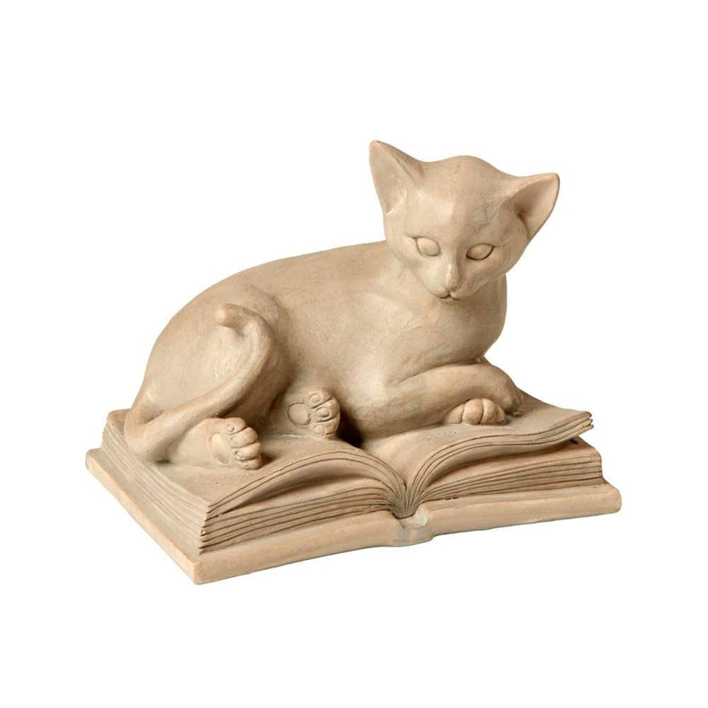 Escultura de Gato Bege Deitado Sobre o Livro em Resina - 17x13 cm