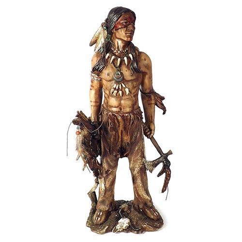Escultura Índio Guerreiro com Instrumentos em Resina Oldway - 50x20cm