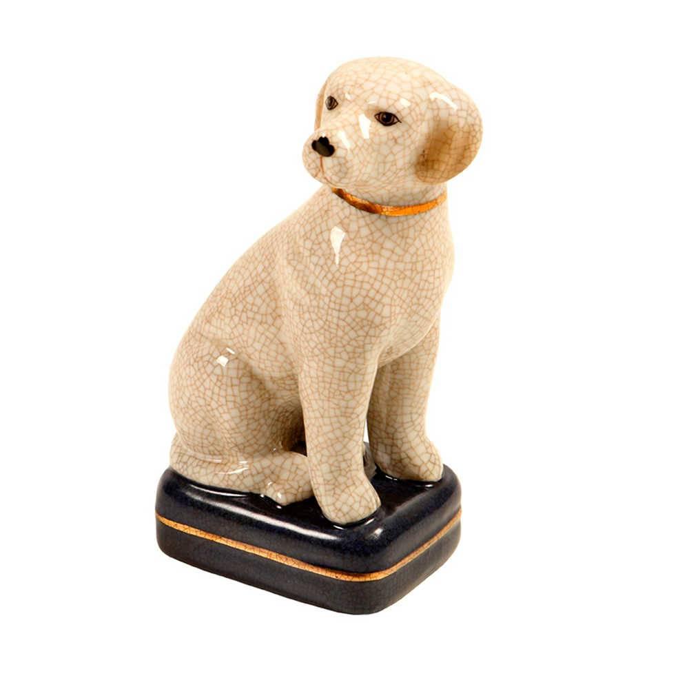 Estatueta Cachorro Bege com Coleira Dourada em Porcelana - 28x11 cm