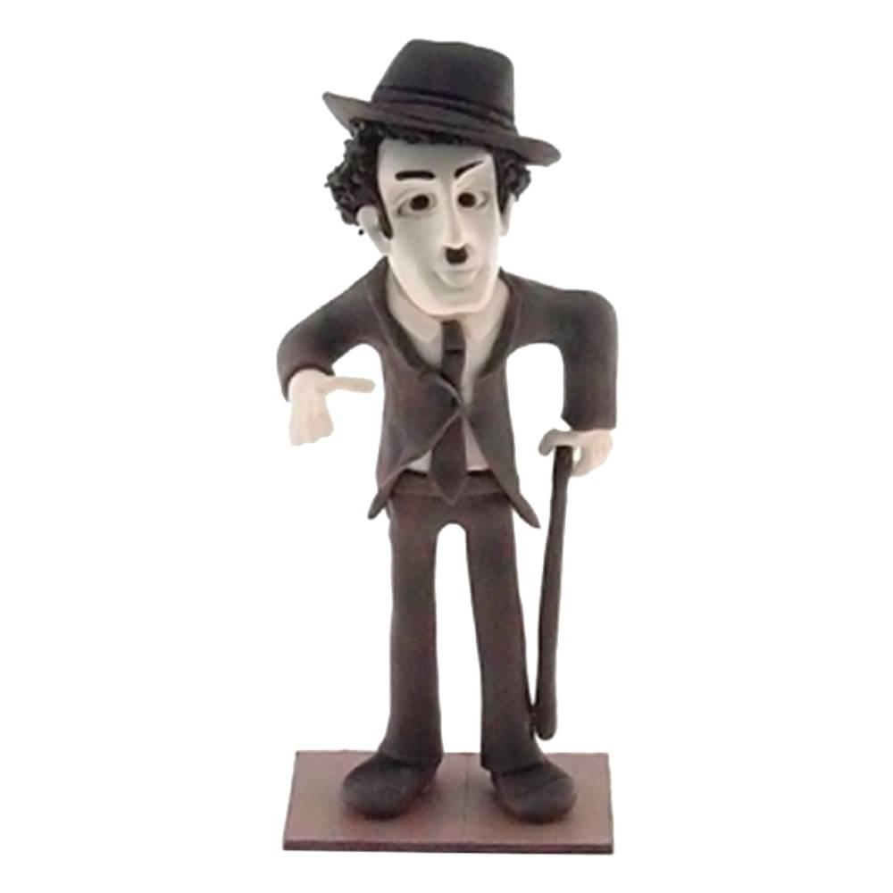 Estatueta Caricatura Charlie Chaplin em Madeira - 19x8 cm