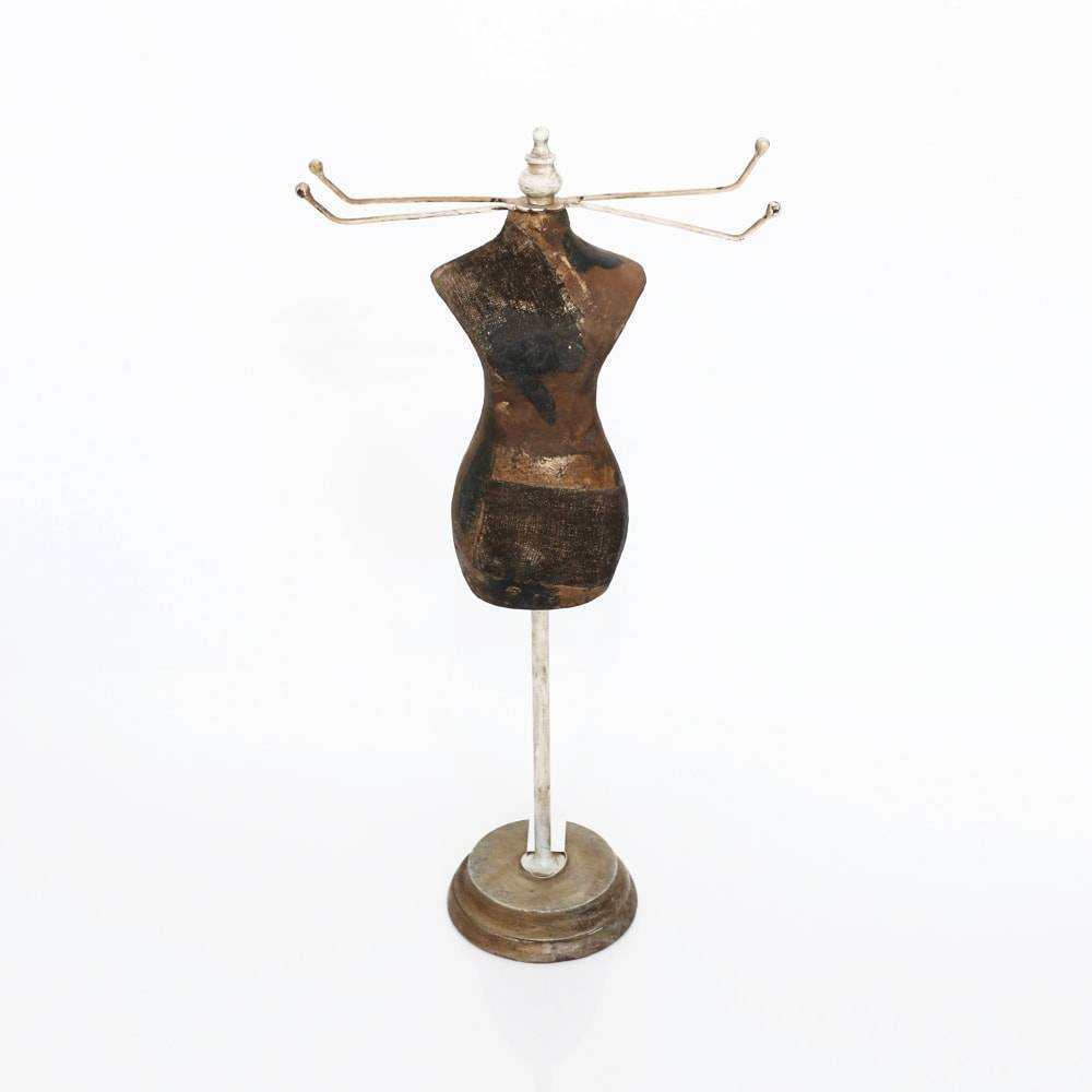 Expositor de Joias Manequim em Madeira - Lyor  Classic - 59 cm
