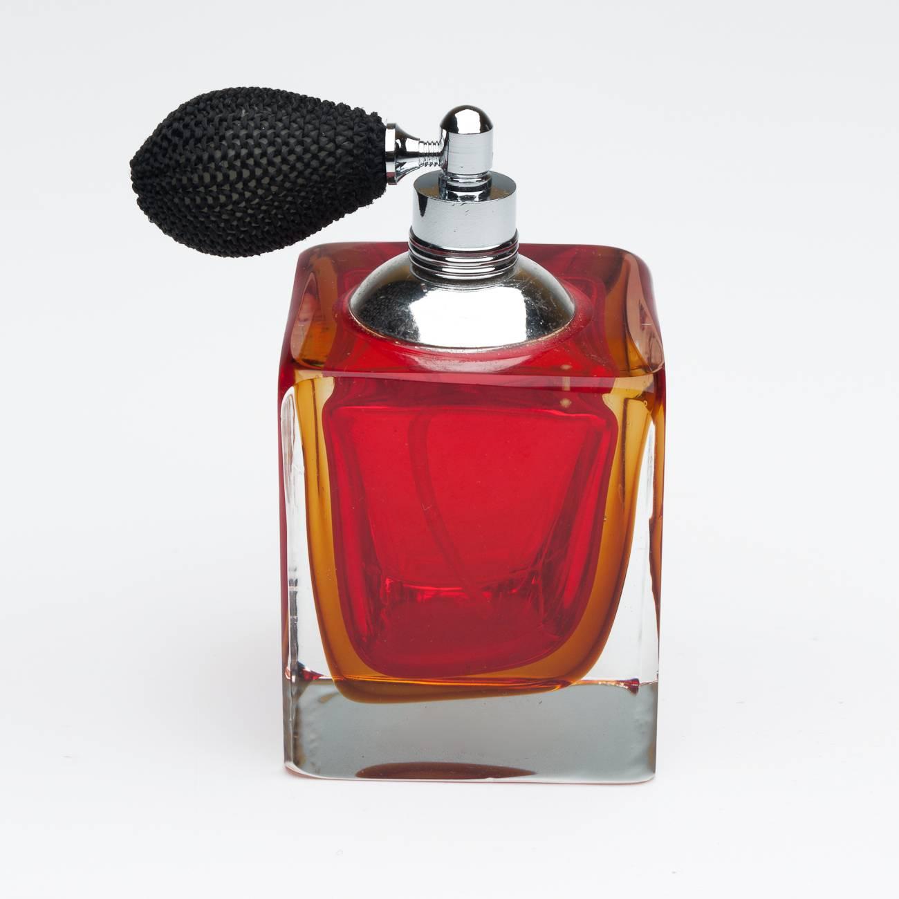 Perfumeiro Tradicional - com Borrifador - Vermelho em Vidro - Prestige - 8,5x5 cm
