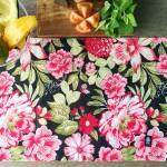 Jogo Americano Peônia Noir Floral Fundo Preto em Algodão