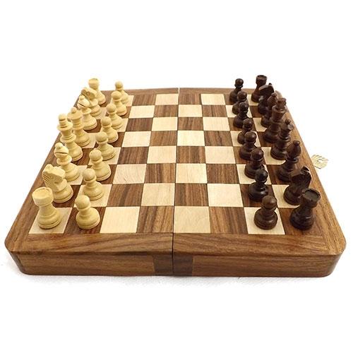 Jogo de Xadrez Magnetic Oldway - Madeira / Forro Verde - Peças com Imã - 18x4 cm