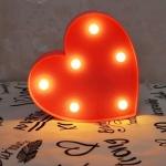 Luminária LED coração vermelho