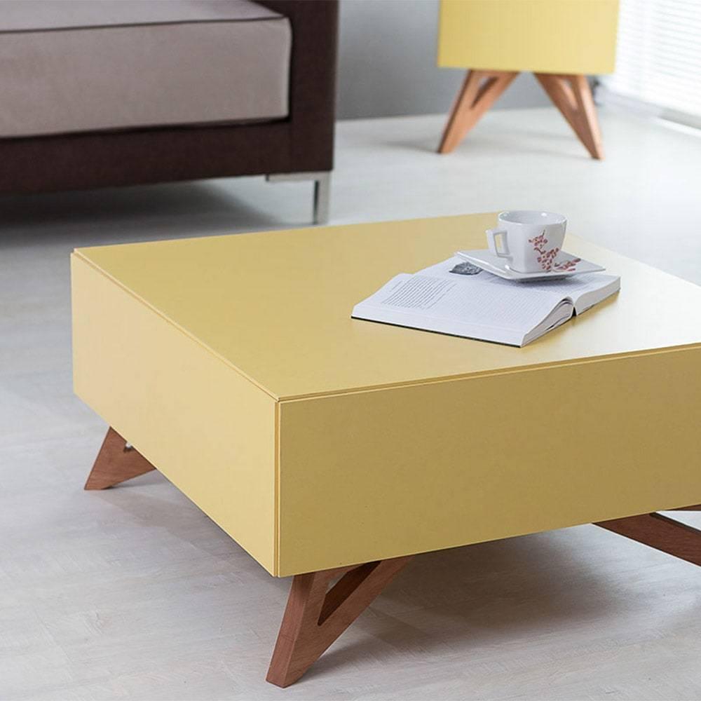 Mesa de Centro Freddie Quadrada Amarela em MDF - 70,6x70,6 cm