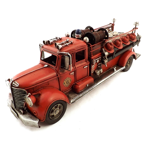 Miniatura de Caminhão de Bombeiros Oldway - Em Metal - 51x19 cm