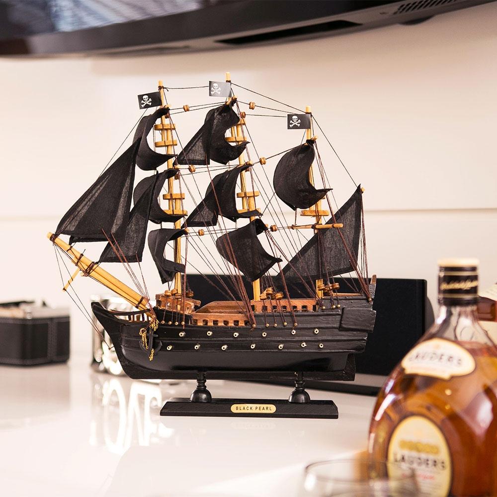 Miniatura Fragata Black Pearl Pequena em Madeira - 33x33 cm
