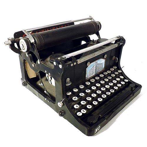 Miniatura de Máquina de Escrever Preta Oldway Grande - Metal - 35x36cm