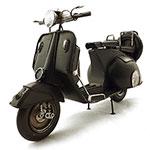 Miniatura de Moto Vespa Preta Pneu Reserva Oldway