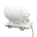 Miniatura de Porco em Carrinho em Resina - 13x11 cm