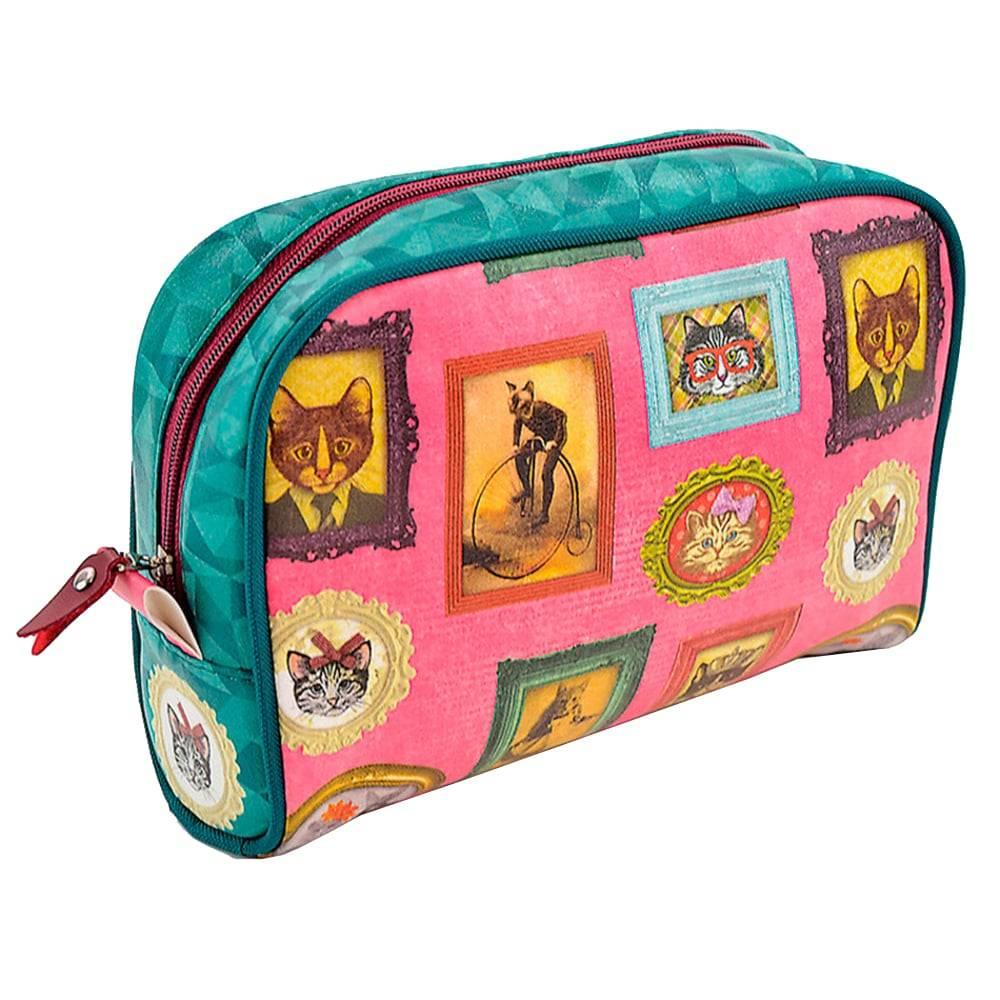 Necessaire Viagem Gatos de Família - Carpe Diem - Colorida em Couro Sintético - 25x18 cm