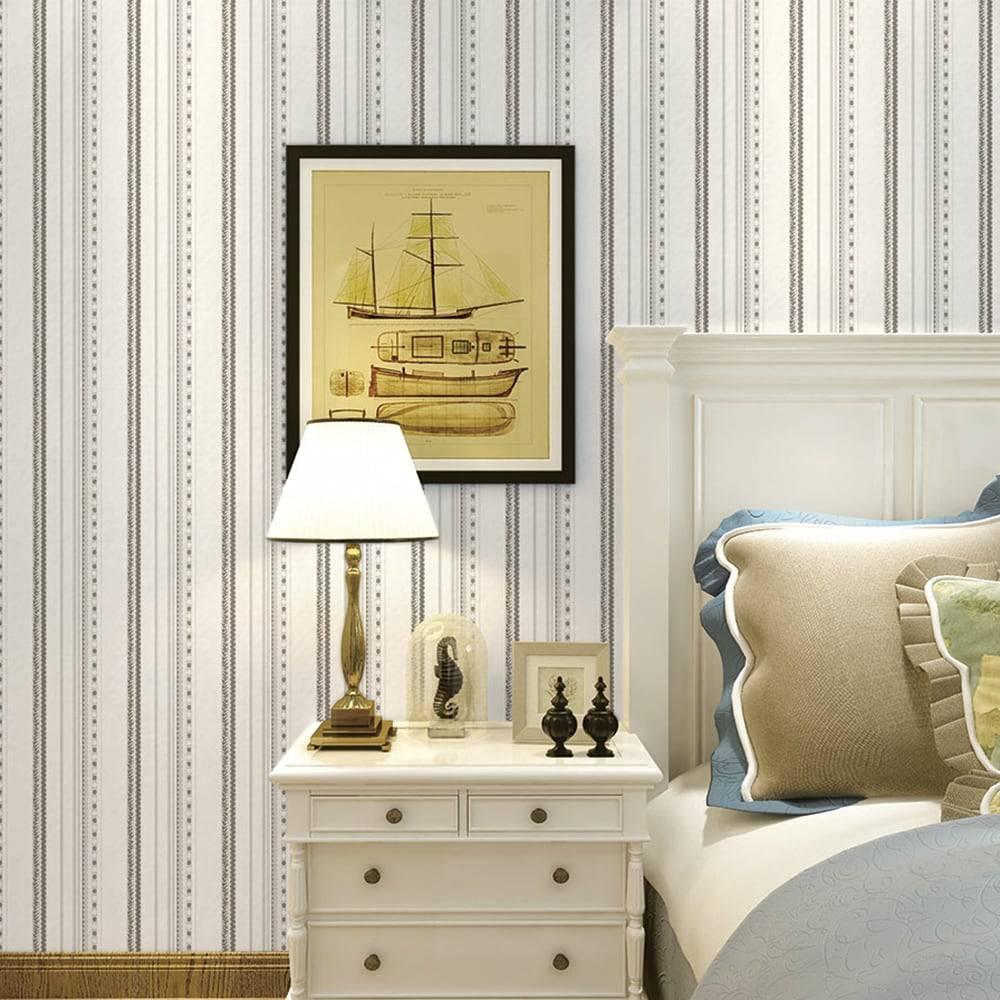 Papel de Parede Importado Vinílico Lavável Branco c/ Textura de Listras em Cinza e Prata - 10x0,53 m