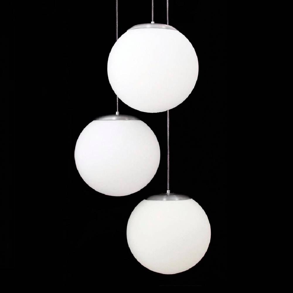 Pendente Triplo Esférico Leitoso Branco em Alumínio Escovado e Vidro Fosco - 110x30 cm