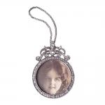 Pingente Glamour Prata com Detalhes de Pedrarias em Metal - 10x8 cm