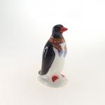 Pinguim cachecol vermelho