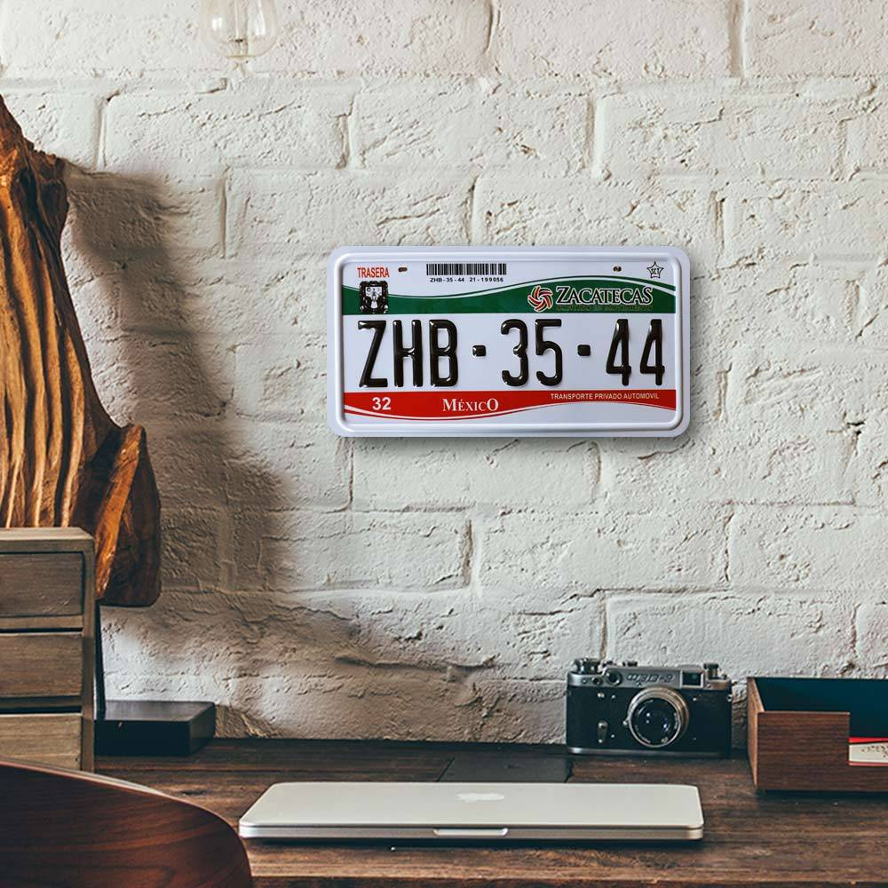 Placa de Carro Decorativa - Em Alto Relevo - México - América do Norte - 31x16 cm