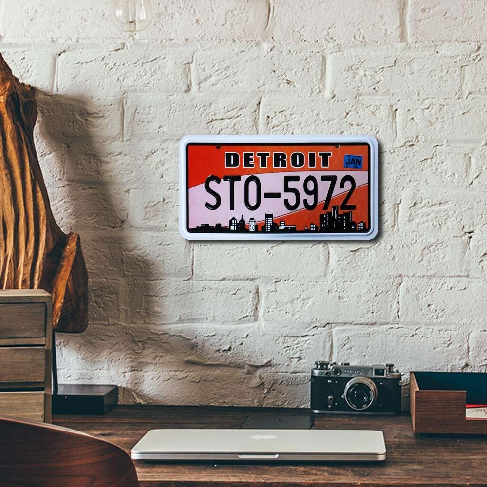 Placa de Carro Decorativa - Em Alto Relevo - Detroit - Michigan - 31x16 cm