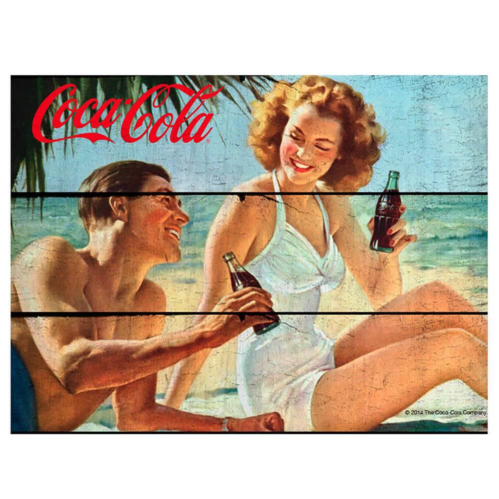 Placa Coca-Cola Couple In a Beach Colorida em Madeira - Urban - 50x36,6 cm