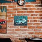 Placa Decorativa Chevy 1956 Azul Média em Metal - 40x30 cm