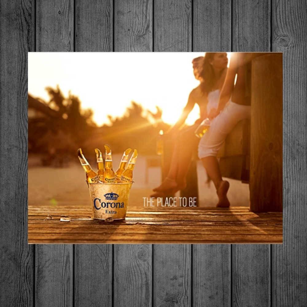 Placa Decorativa Corona Place com Impressão Digital em Metal - 40x30 cm
