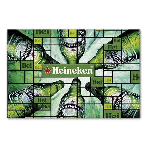 Placa Decorativa Garrafas de Cerveja Heineken Grande em Metal - 40x30cm