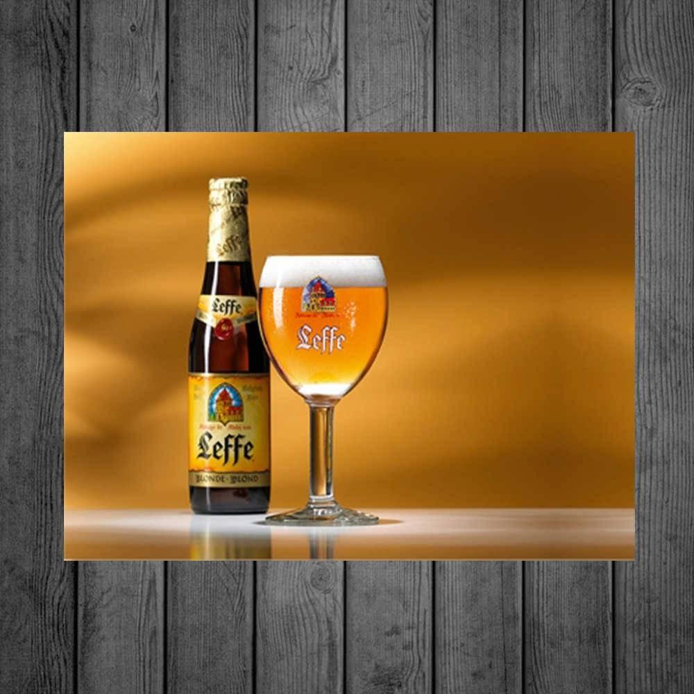 Placa Decorativa Leffe Garrafa e Copo com Impressão Digital em Metal - 40x30 cm