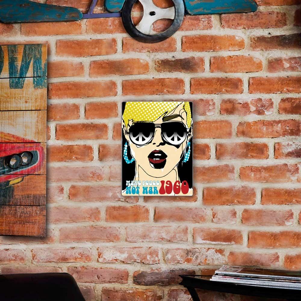 Placa Decorativa Pop Art 1960 Colorido Média em Metal - 30x20 cm