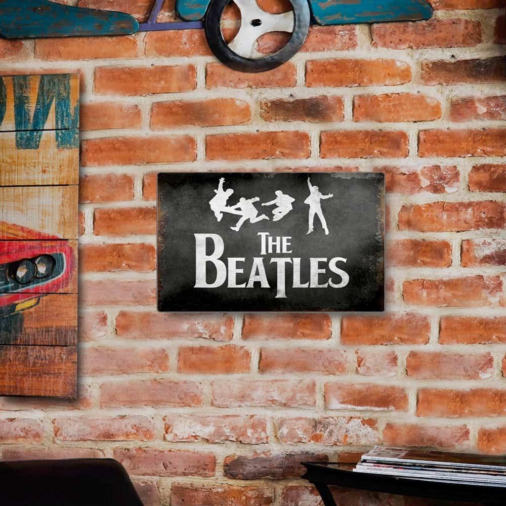 Placa Decorativa The Beatles Preto e Branco Grande em Metal - 40x30 cm