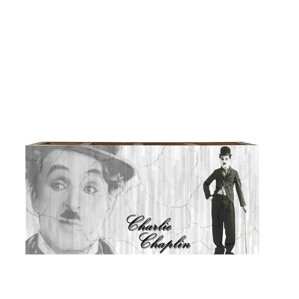 Porta Controles Remotos Charlie Chaplin Preto e Branco em Madeira - 22x9,5 cm