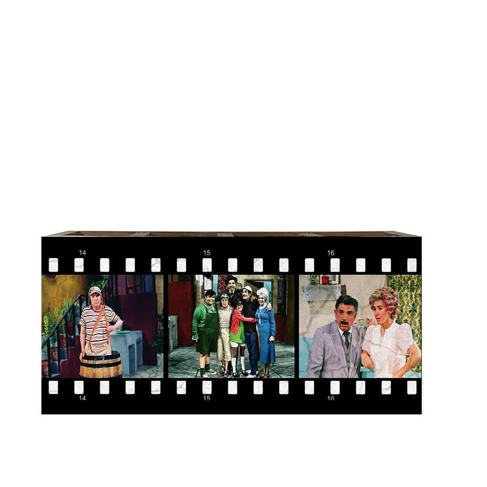 Porta Controles Remotos Turma do Chaves em Madeira - 22x9,5 cm