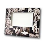 Porta-Retrato Marylin Monroe Preto e Branco - Foto 10x15 cm - em MDF - 24x19 cm